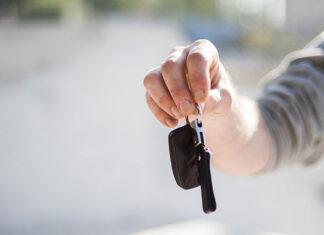 Jak sprawnie wynająć samochód zastępczy